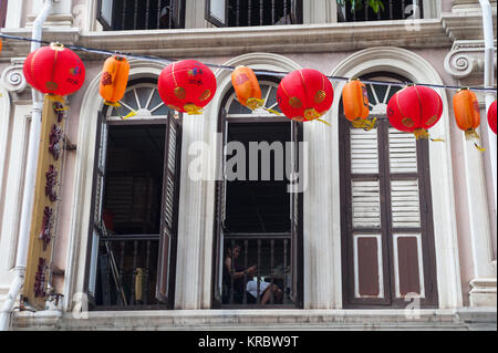 17.12.2017, Singapore, Republic of Singapore, Asia - Traditional shop house in Singapore's Chinatown district. - Stock Photo