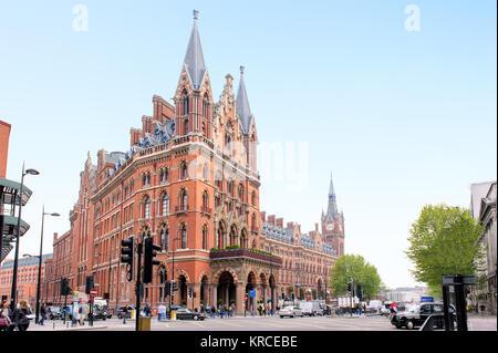 St. Pancras Renaissance hotel in London - Stock Photo