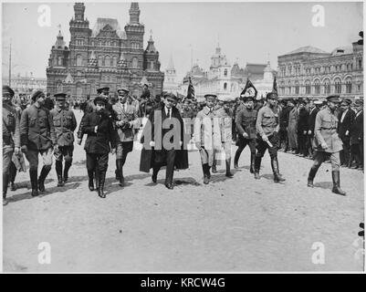 Vladimir Lenin in Red Square, Moscow. Date: 1918 - Stock Photo