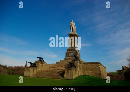 Statue of Admiral Lord Collingwood overlooking the mouth of the River Tyne. Born in Newcastle Upon Tyne, Vice Admiral - Stock Photo