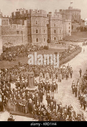 Proclaiming the accession of King George V at Windsor, soon after the death of his father, King Edward VII.  The - Stock Photo