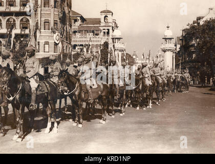 Indian cavalry rehearsing at the Apollo Bandar in Bombay, in preparation for the visit of King George V and Queen - Stock Photo