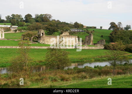 View of the ruins of Kirkham Priory, in the Derwent valley between York and Malton, North Yorkshire.  This Augustinian - Stock Photo