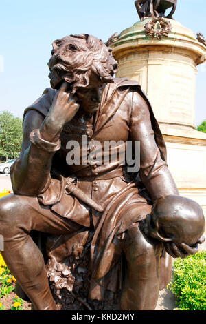 Hamlet sculpture by Lord Ronald Gower, part of a memorial to William Shakespeare in Bancroft Gardens, Stratford - Stock Photo