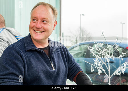 Stuntman Peter Dillon in a café in Schull, West Cork, Ireland. - Stock Photo