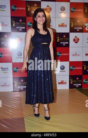 Mumbai, India. 19th Dec, 2017. Indian film actress Mannara Chopra attend the Red carpet event of Zee Cine Awards - Stock Photo