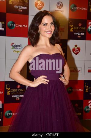 Mumbai, India. 19th Dec, 2017. Indian film actress Elli AvrRam attend the Red carpet event of Zee Cine Awards 2018 - Stock Photo