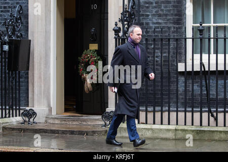 London, UK. 20th December, 2017. Gavin Barwell, No. 10 Chief of Staff, leaves 10 Downing Street prior to Prime Minister's - Stock Photo