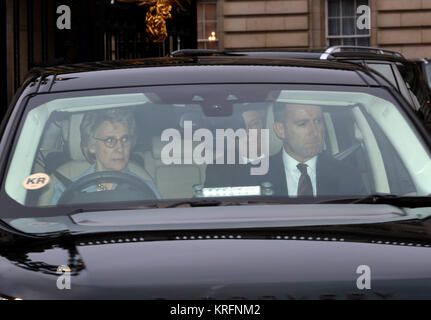 London, UK. 20th Dec, 2017. The Duchess of Gloucester, leaves the HM Queen Elizabeth II annual Christmas lunch, - Stock Photo