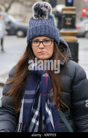 Westminster. London, UK. 20th Dec, 2017. A woman in Westminster wrapped up warm for winter. Credit: Dinendra Haria/Alamy - Stock Photo