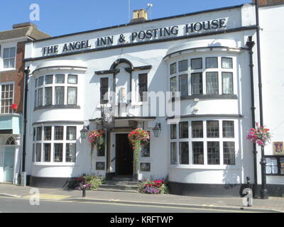 The Angel Inn & Posting House, High Street, Pershore, Worcestershire, with colourful hanging baskets and other - Stock Photo