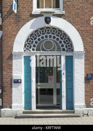 Entrance door to a public building in the High Street, Pershore, Worcestershire     Date: 2011 - Stock Photo