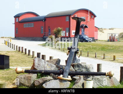 Lifeboat station at Caister on Sea, near Great Yarmouth, Norfolk.      Date: 2011 - Stock Photo
