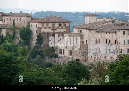 Historic Centre of Colle di Val d'Elsa, Tuscany, Italy. 1 August 2016 © Wojciech Strozyk / Alamy Stock Photo *** - Stock Photo