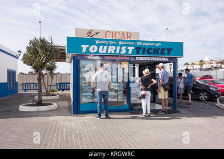 LANZAROTE, SPAIN -  7th Nov 2017: Tourists window shopping at a local tourist shop along Calle Salida Fuerteventura - Stock Photo