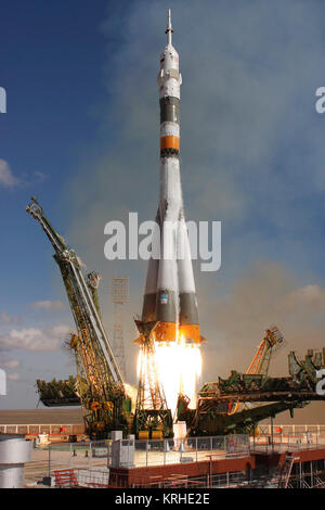The Soyuz TMA-13 spacecraft, carrying Expedition 18 Commander Michael Fincke, Flight Engineer Yury V. Lonchakov - Stock Photo