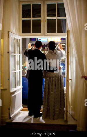 U.S. President Barack Obama and U.S. First Lady Michelle Obama wave from a balcony December 10, 2009 in Oslo, Norway. - Stock Photo