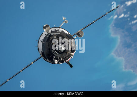 Soyuz TMA-20M spacecraft approaches the ISS (2) - Stock Photo