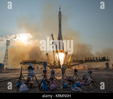 The Soyuz MS-01 spacecraft launches from the Baikonur Cosmodrome with Expedition 48-49 crewmembers Kate Rubins of - Stock Photo