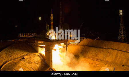 The Soyuz MS-06 spacecraft launches from the Baikonur Cosmodrome with Expedition 53 crewmembers Joe Acaba of NASA, - Stock Photo