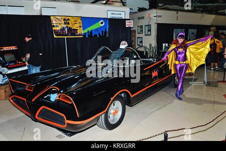 Hamilton, ON, USA. 1st Oct, 2017. 01 October 2017 - Hamilton, Ontario, Canada. The 1960's Batmobile replica from - Stock Photo