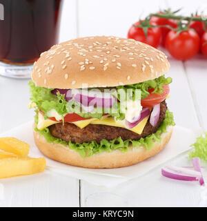 Cheeseburger Hamburger Burger Menu Menü Menue Cola Getränk Fast Food - Stock Photo