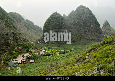 Village and mountains between Dong Van and Meo Vac in Ha Giang Province, north Vietnam - Stock Photo