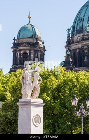 blick auf kuppeln des berliner doms - Stock Photo