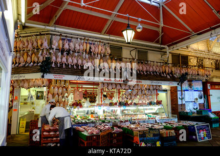 Around the University City of Oxford December 2017 In the Covered Market Hedges Butchers tradtional display - Stock Photo