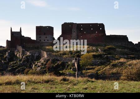 Blick auf die berühmte Burgruine Hammershus (einer der größten zusammenhängenden Burgruinen-Komplexe Nordeuropas) - Stock Photo