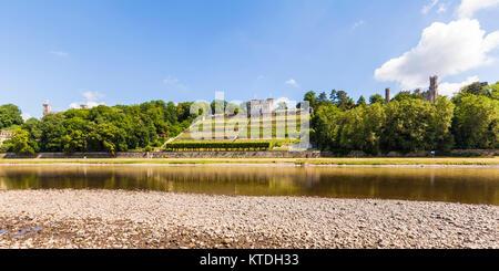 Deutschland, Sachsen, Dresden, Elbe, Elbufer, Elbwiesen, Elbschlösser, Schloss Albrechtsberg, Lingnerschloss, Schloss - Stock Photo
