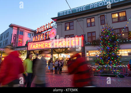 Seattle, Washington: Shoppers and visitors crowd Pike Place Market as the Christmas holiday approaches. Credit: - Stock Photo