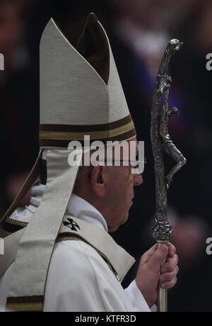 Vatican. December 24, 2017 - Vatican City State (Holy See) POPE FRANCIS celebrates Christmas Night Mass in St. Peter's - Stock Photo