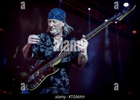 Deep Purple perform at the O2 Arena  Featuring: Ian Gillan Where: London, United Kingdom When: 23 Nov 2017 Credit: - Stock Photo