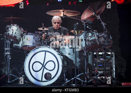 Deep Purple perform at the O2 Arena  Featuring: Iain Paice Where: London, United Kingdom When: 23 Nov 2017 Credit: - Stock Photo