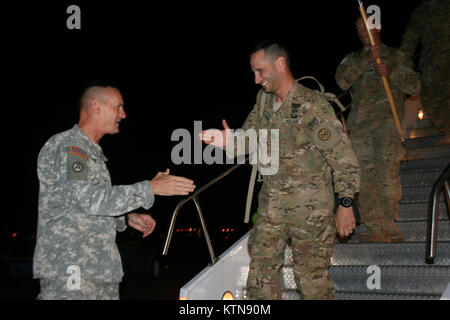 ALBANY, N.Y. -- Maj. Gen. Patrick Murphy, the Adjutant General for the State of New York welcomes home NewYork Army - Stock Photo