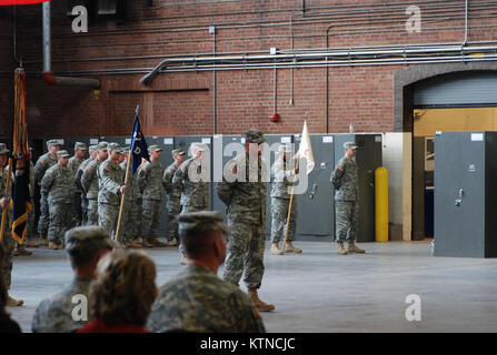 UTICA, N.Y. –New York Army National Guard Soldiers of the 2nd Battalion, 108th Infantry prepare to farewell their - Stock Photo