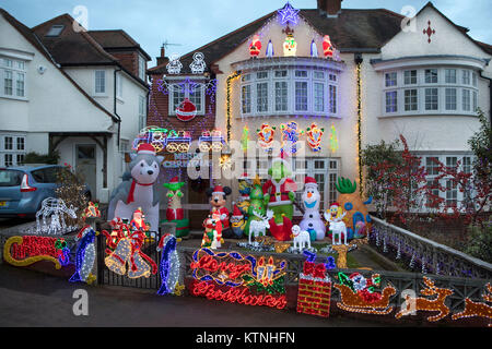 London, UK. 26th Dec, 2017. Christmas decorations on a house in Hillway, London NW5 Credit: ilpo musto/Alamy Live - Stock Photo