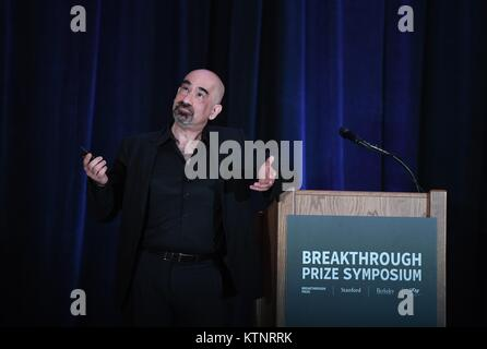 (171227) -- NEW YORK, Dec. 27, 2017 (Xinhua) -- David N. Spergel, the awardee of Breakthrough Prize in Fundamental - Stock Photo