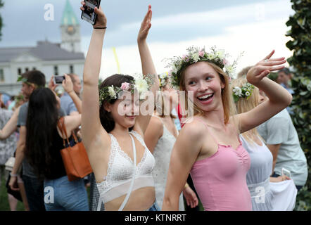 (171227) -- NEW YORK, Dec. 27, 2017 (Xinhua) -- People dance during the annual Swedish Midsummer Festival in Manhattan, - Stock Photo