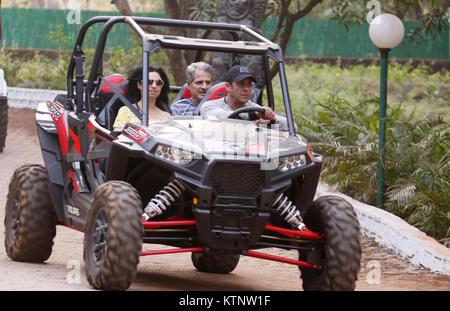 mumbai, india, 27 th Dec 2017:Salman khan rides around his panvel farm house as he celebrates his birthday on 27th - Stock Photo