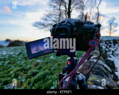 Moat Low, Derbyshire. 28th Dec, 2017. UK Weather: Photographers Camera setup for taking bracketed shots of Moat - Stock Photo