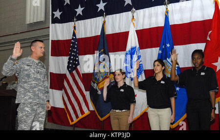LATHAM , NY - Maj. Gen. Patrick Murphy, The Adjutant General of New York State (left), swears in some new members - Stock Photo