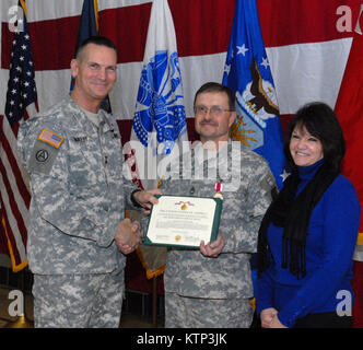 LATHAM , NY - Maj. Gen. Patrick Murphy, The Adjutant General of New York State (left), poses with Sgt. 1st Class - Stock Photo