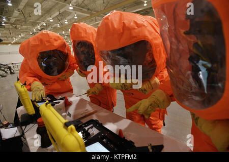 PERRY, GA - Emergency Managers from the 106th Rescue Wing, New York Air National Guard attempt to identify contamination - Stock Photo