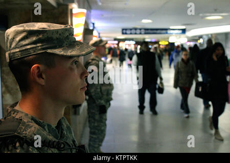 New York National Guard members of Joint Task Force Empire Shield help provide security support at New York City's - Stock Photo