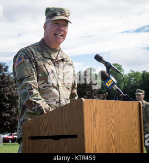 U.S. Army Brig. Gen. Michael Swezey, commander of the 53d Troop Command, delivers a speech during the 369th's deployment - Stock Photo