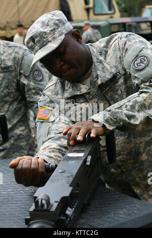 SHOALWATER BAY, AU – Spc. Yacouba Kone, a Soldier assigned to Fox Company, 427th Brigade Support Battalion, 27th - Stock Photo