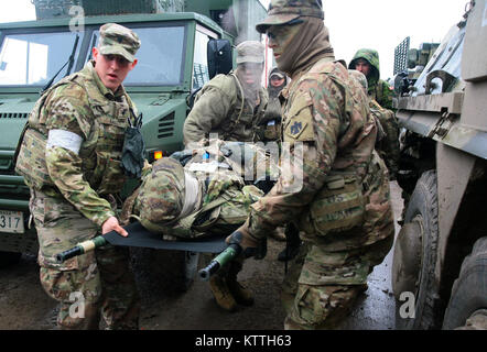 Yavoriv, Ukraine – Combat medics from the 27th Infantry Brigade Combat Team assigned to the Joint Multinational - Stock Photo