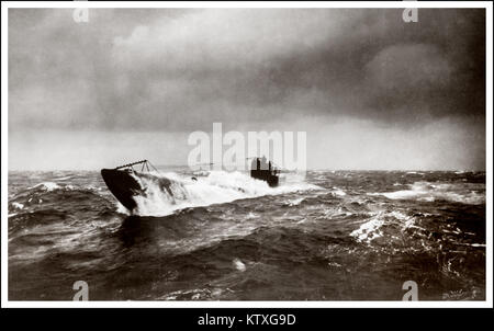 WW1 GERMAN SUBMARINE U-BOAT North Atlantic surfacing during U-Boat campaign 1914-1918. British military vessels - Stock Photo